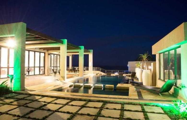 Premier Hotel ELICC - Pool - 25