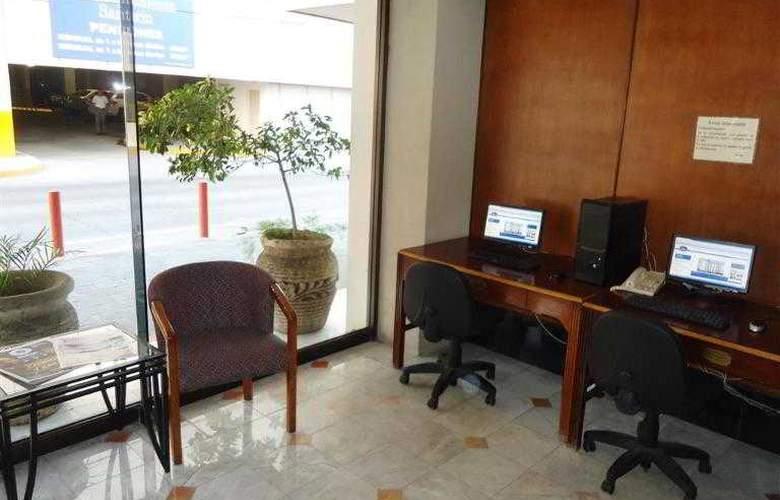 Best Western Hotel Santorin - Hotel - 13