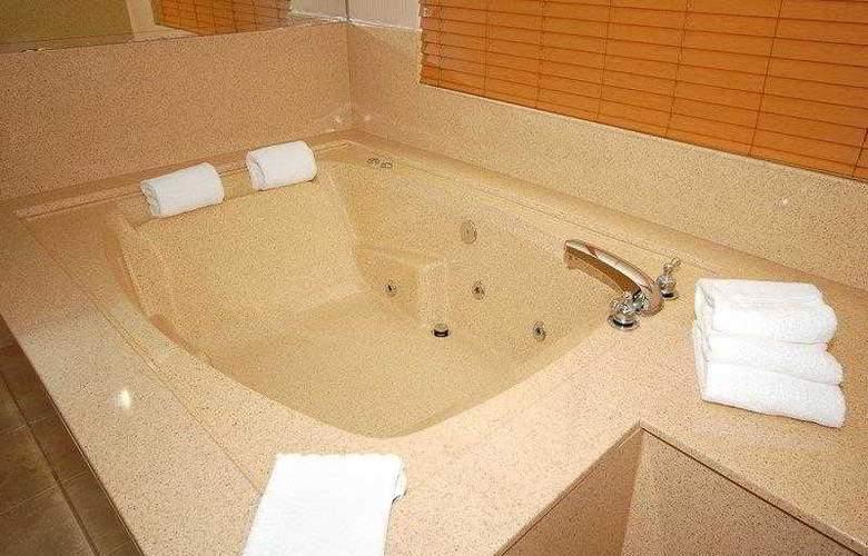 Best Western Plus Suites Hotel - Hotel - 9