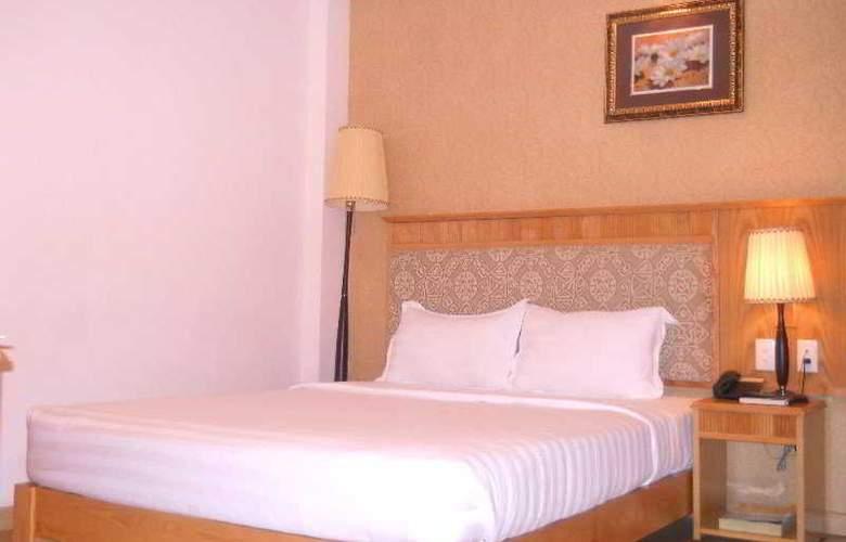 Blue Diamond Hotel - Room - 8