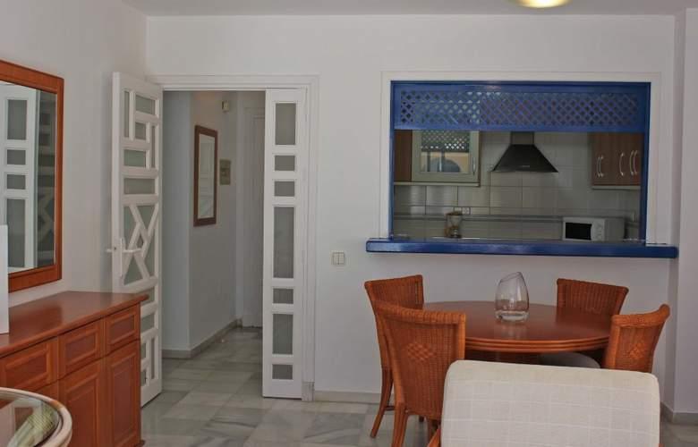 El Minarete Apartamentos - Room - 4