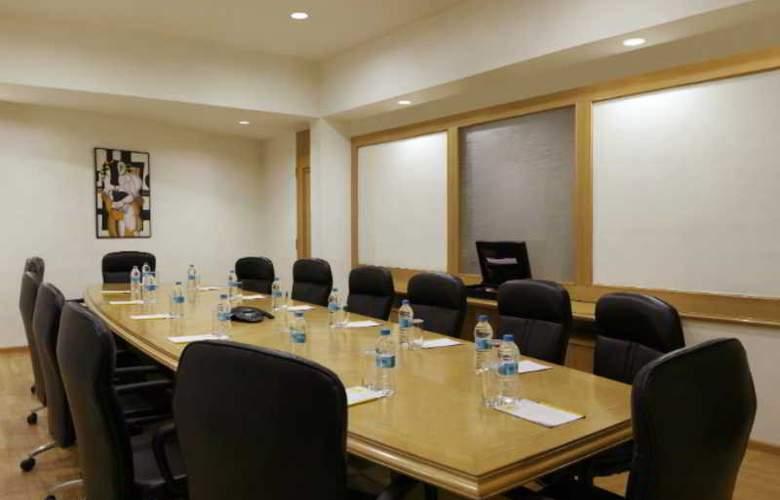 Lemon Tree Hotel, Udyog Vihar - Conference - 12