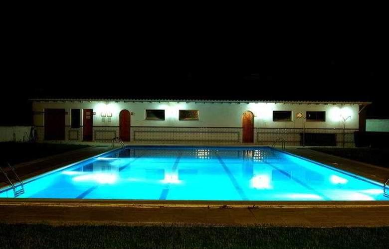 Antiga - Pool - 3