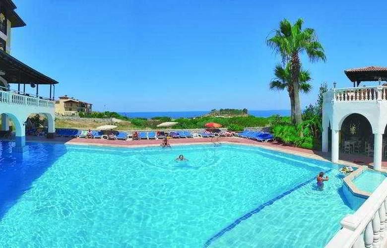 Altinsaray Hotel - Pool - 7