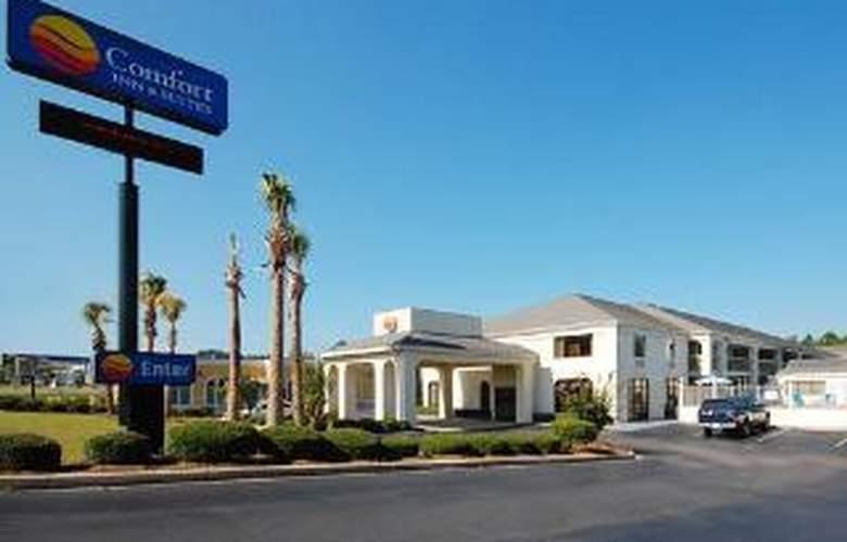 Comfort Inn & Suites - Hotel - 0