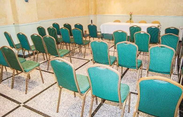 Ana María - Conference - 5