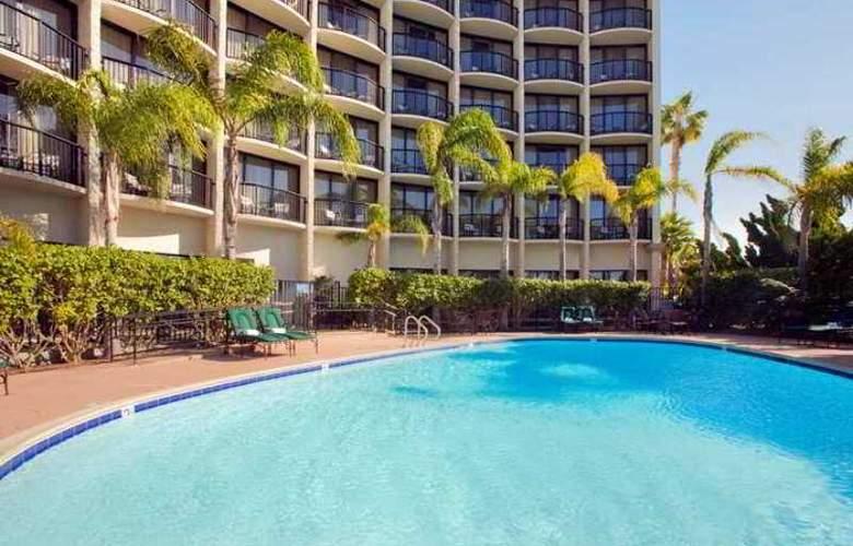 Hilton San Diego Airport / Harbor Island - Hotel - 11