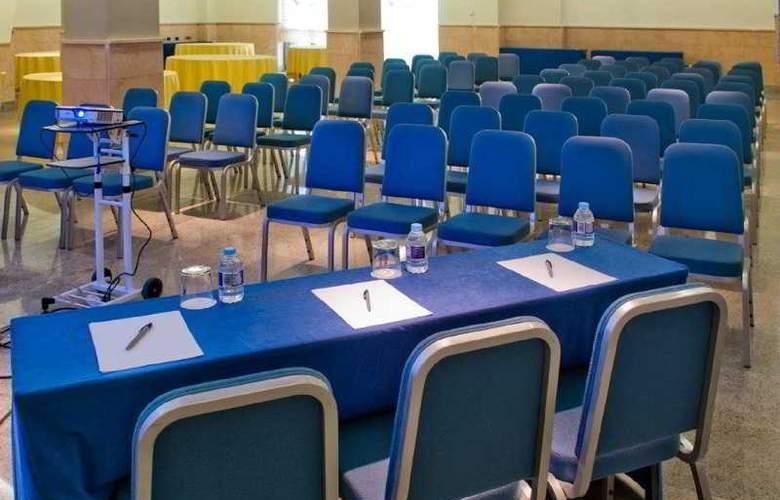 Mas Camarena - Conference - 21