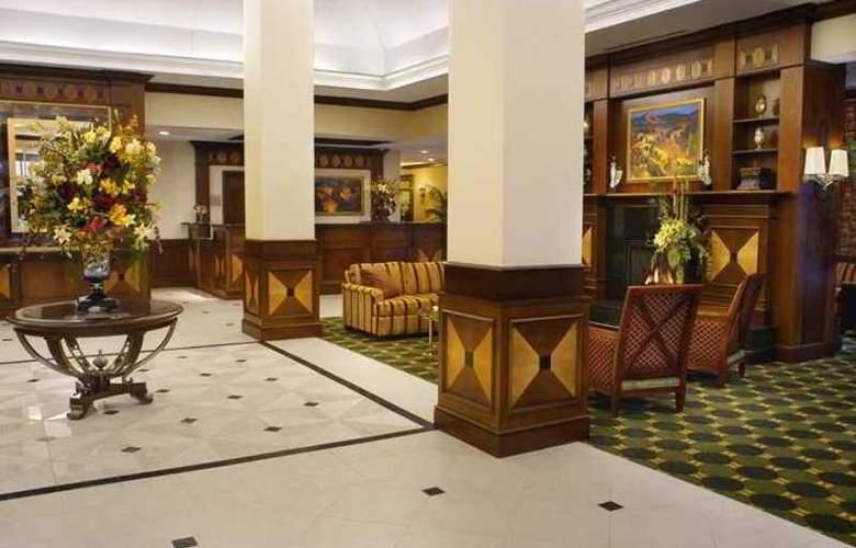 Hilton Garden Inn Toronto Vaughan - Hotel - 4