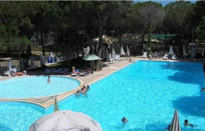 Marea Resort Hotel - Pool - 5
