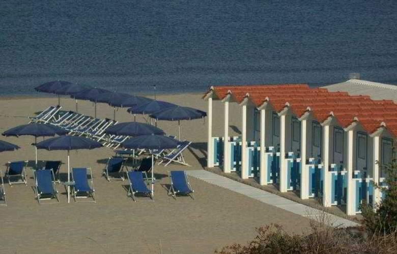 Grand Hotel Golf - Beach - 4