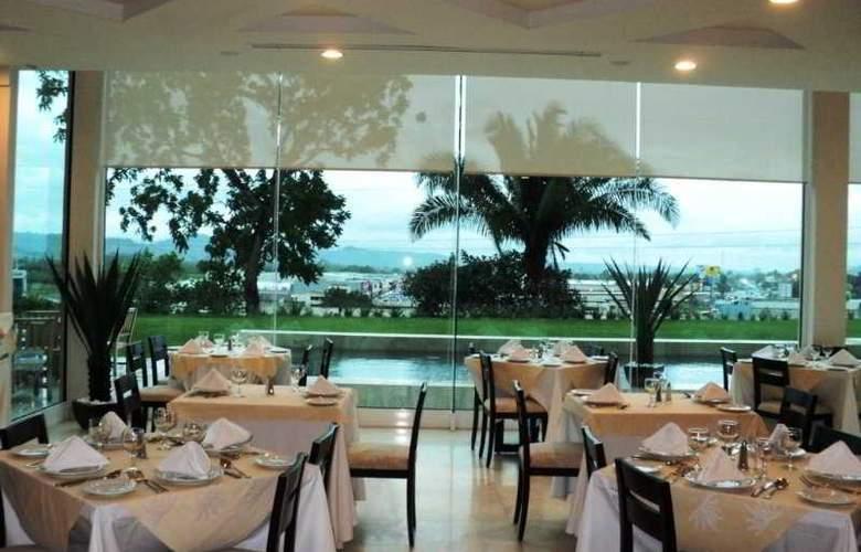 La Quinta Inn & Suites Poza Rica - Restaurant - 5