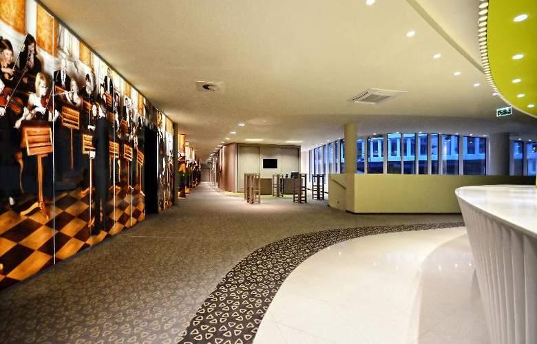 Sound Garden Hotel Airport - Conference - 18