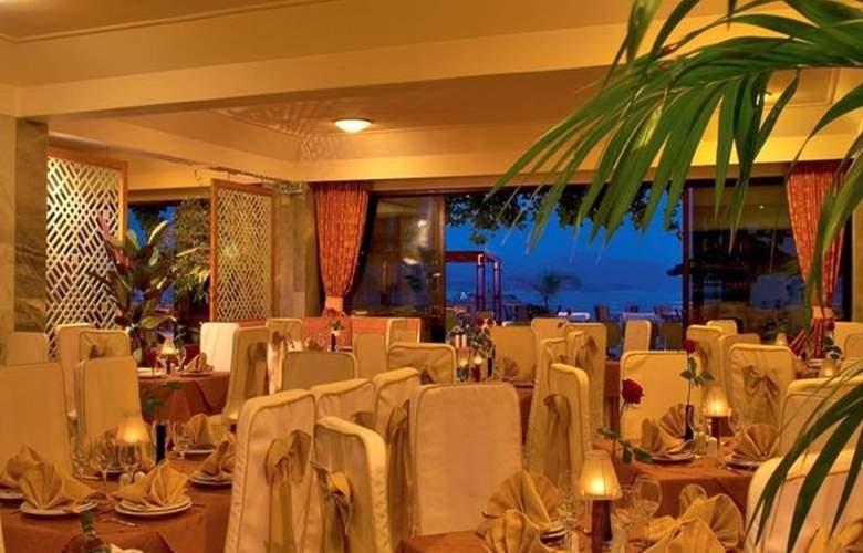 John & George - Restaurant - 6