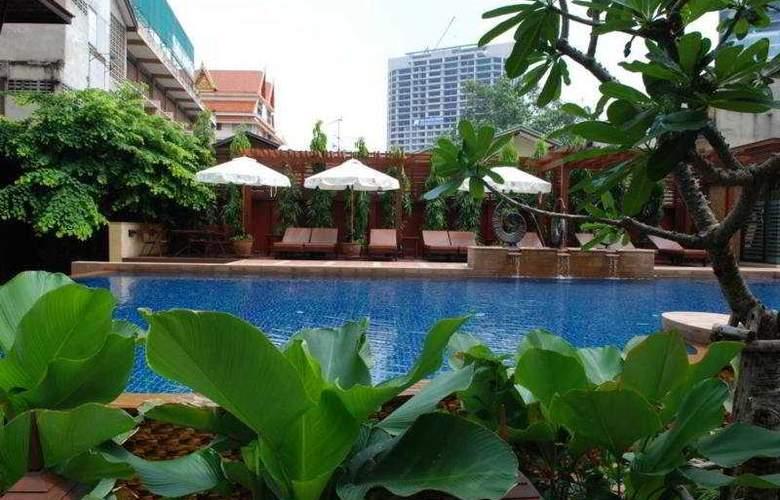Rose Hotel Bangkok - Pool - 7