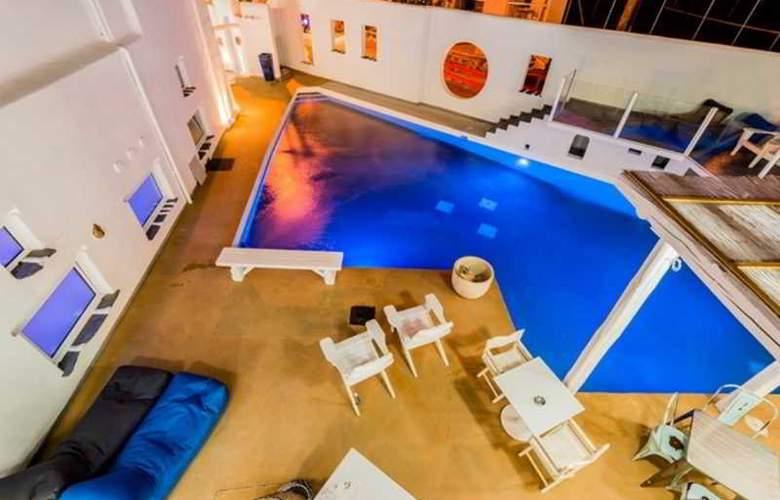 Kouros Exclusive - Pool - 30