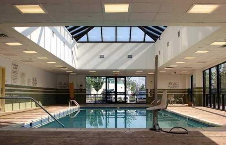 Hampton Inn & Suites Newark-Harrison-Riverwalk - Hotel - 5