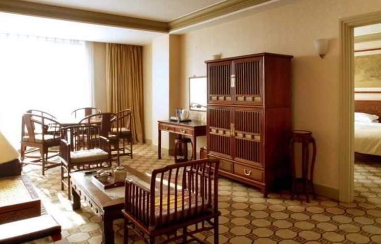 Grand - Room - 10