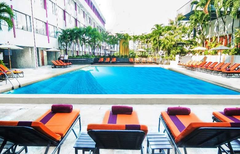 Ambassador Bangkok - Pool - 19