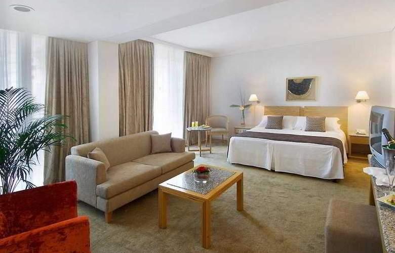 Royal Apollonia Beach - Room - 3