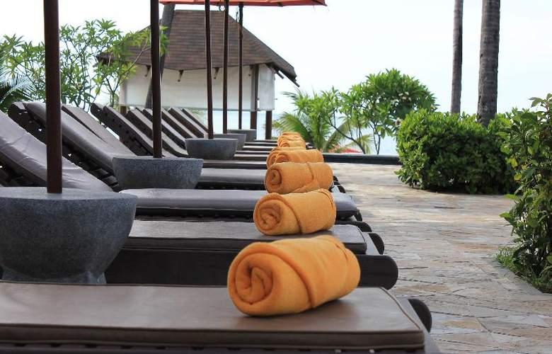 Weekender Resort - Pool - 24