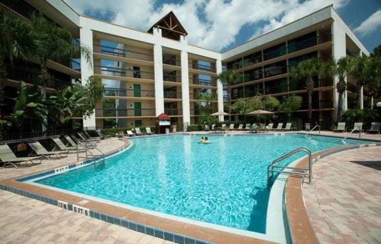 Clarion Lake Buena Vista - Pool - 13