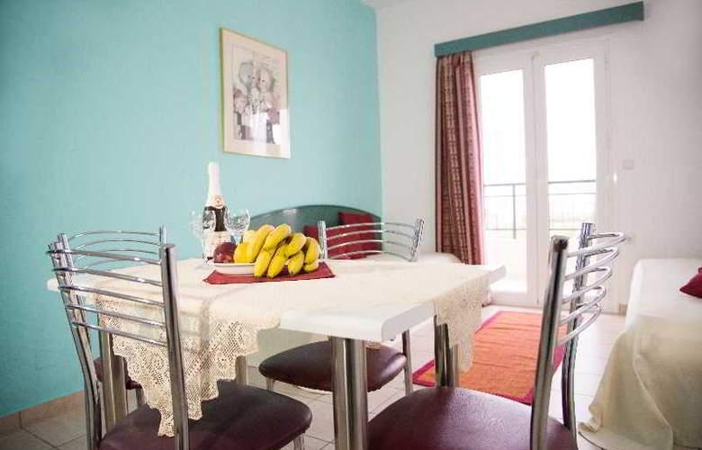 Theoni Apartments - Room - 15