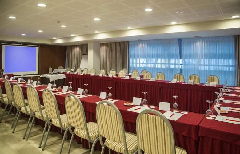 Centric Atiram - Conference - 16