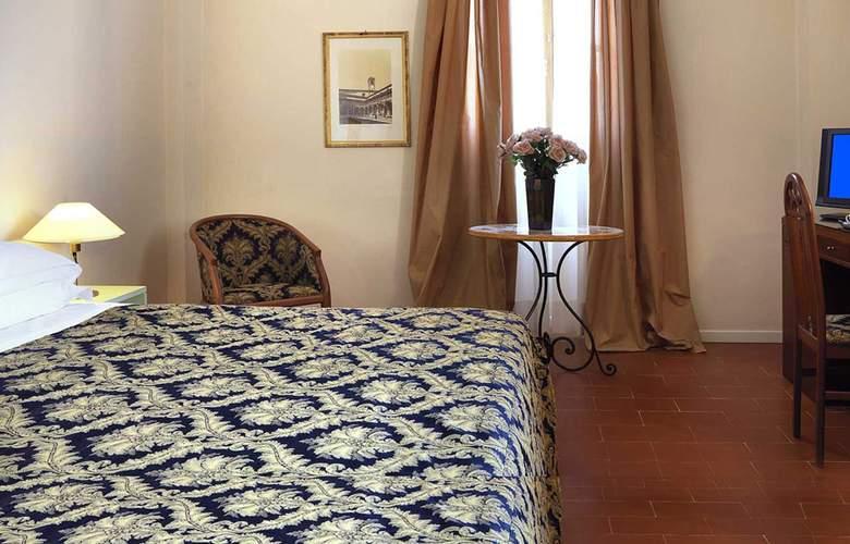 Villa Gabriele d'Annunzio - Room - 2
