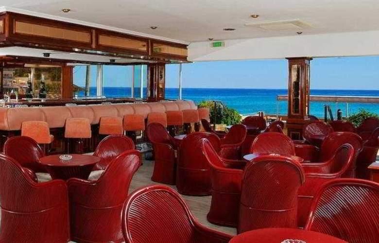 Clumba Hotel - Bar - 4