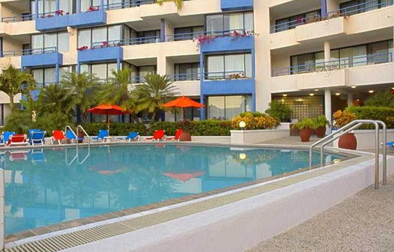 Royal Palm Beach Club - Pool - 8