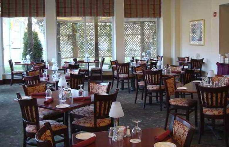 Hilton Garden Inn Fairfax - Hotel - 4