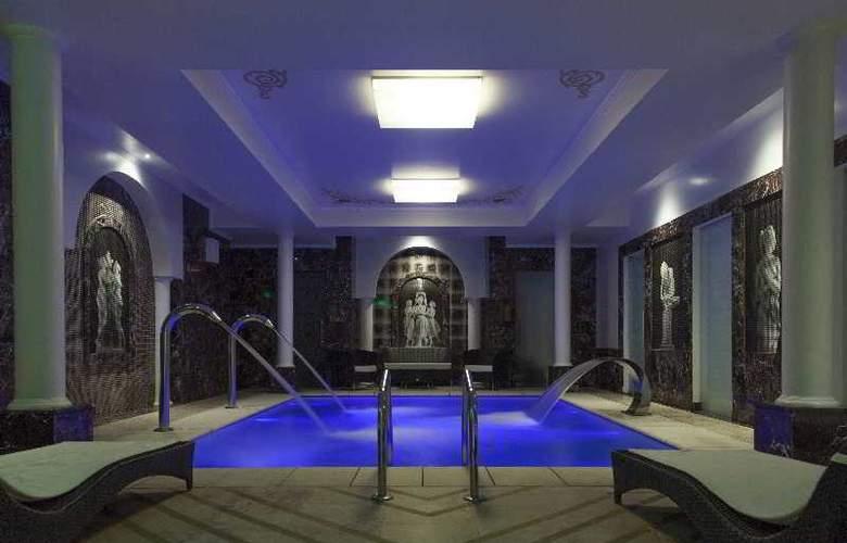 Epoque Hotel Relais & Châteaux - Pool - 5