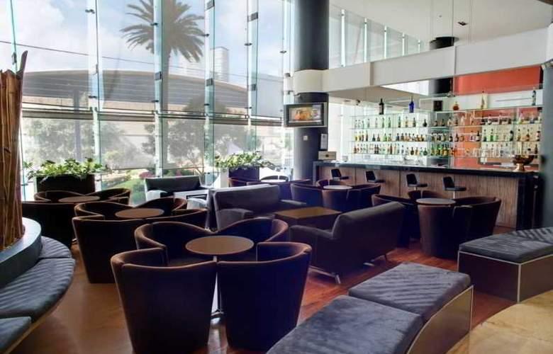 DoubleTree by Hilton Hotel México City Santa Fe - Bar - 35