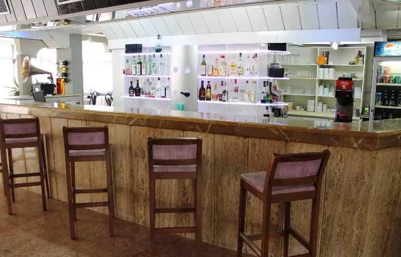 L.A. Resort - Bar - 11