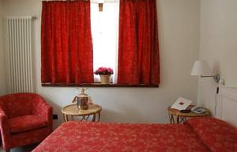 Hotel Mont Blanc - Room - 17