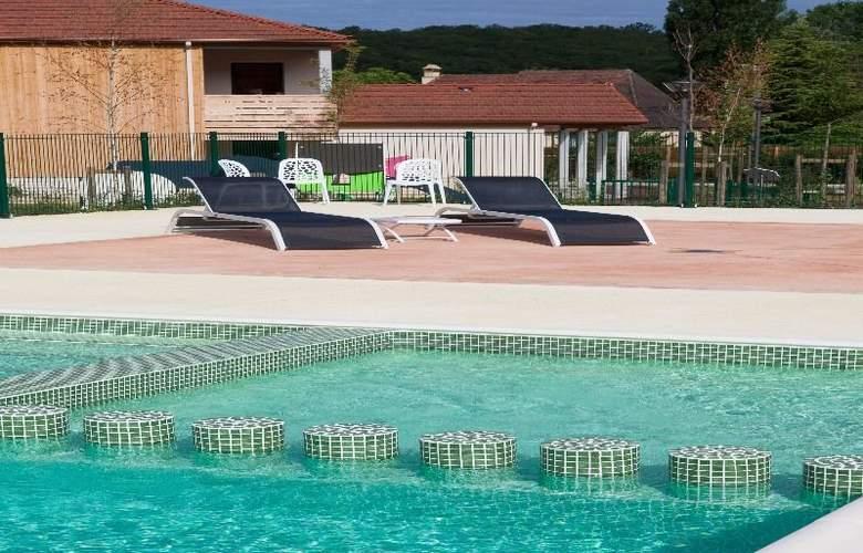 Residence Le Clos du Rocher - Pool - 2