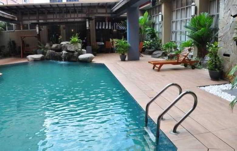 Hotel Maluri Kuala Lumpur - Pool - 9