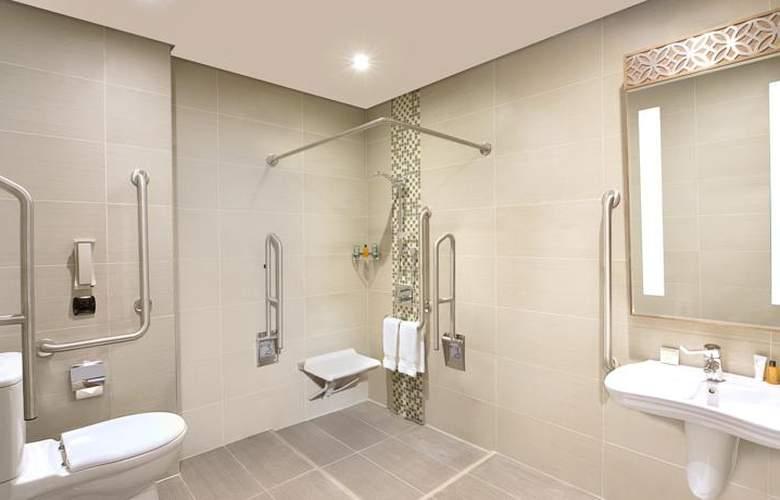 Hilton Garden Inn Dubai Al Muraqabat Hotel - Room - 4