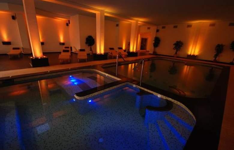 Resort Sa Rocca - Hotel - 5