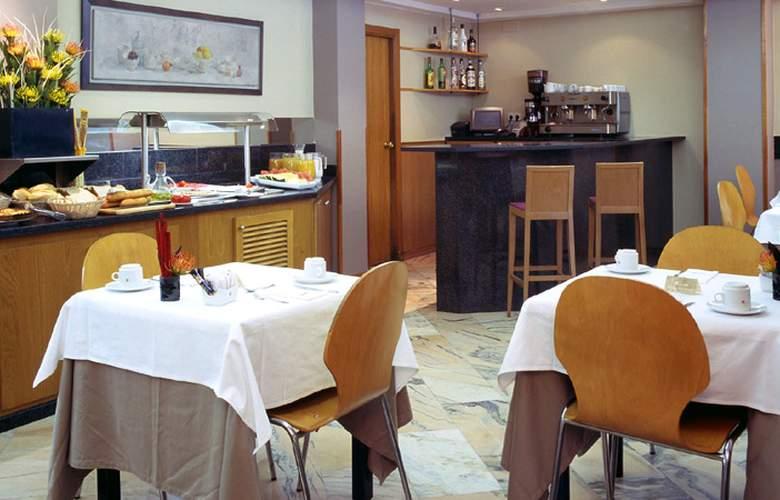 Catalonia Albeniz - Restaurant - 5