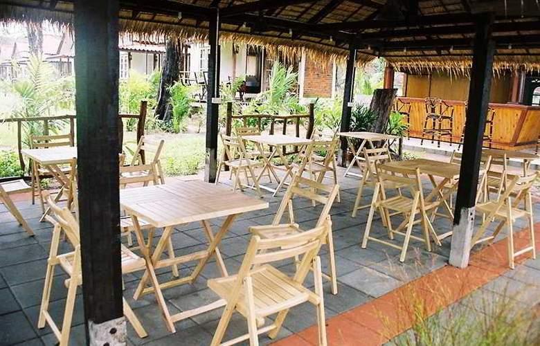 Private Beach Resort - Bar - 5