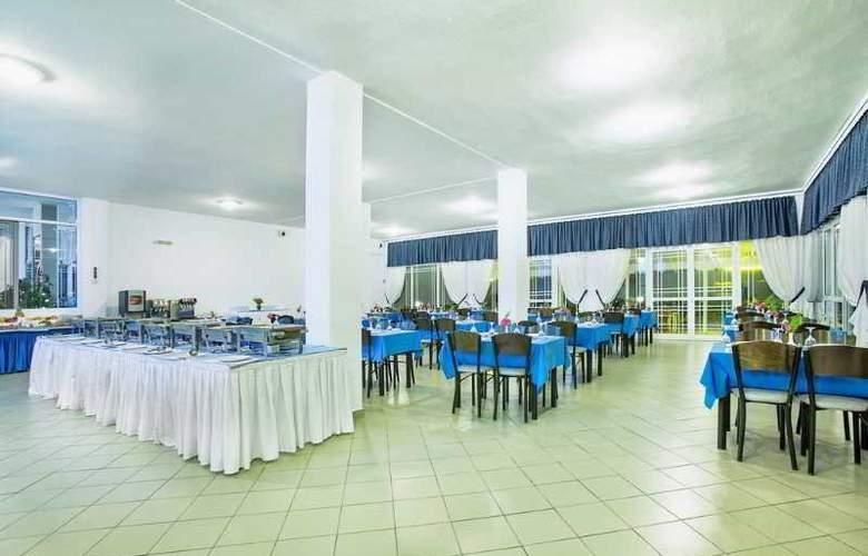 Port Marina - Restaurant - 34