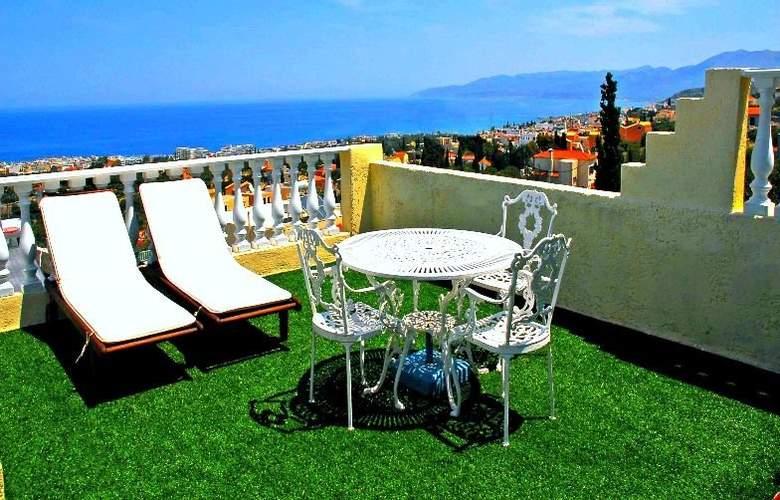 Korifi Suites Art Hotel - Terrace - 3