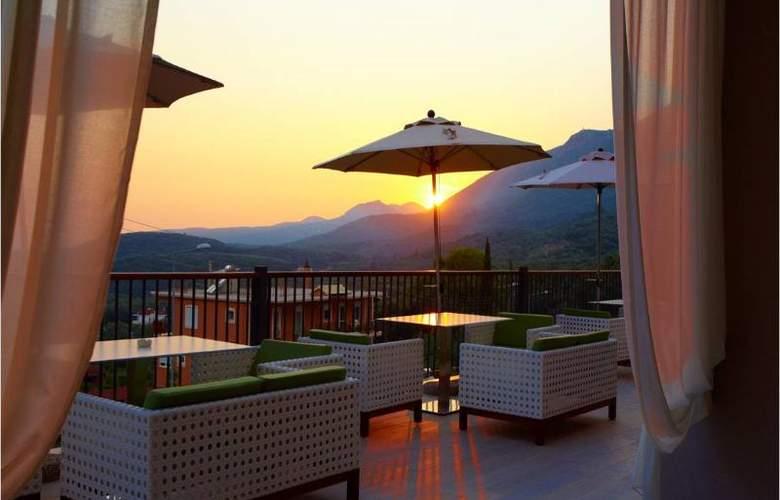 Salvator Villas & Spa - Hotel - 2