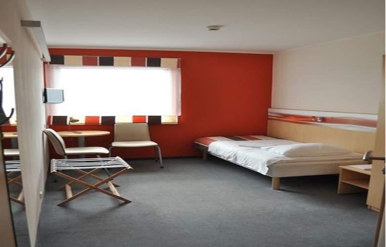 Economy Silesian Hotel - Room - 10