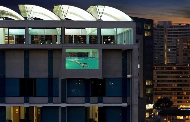Best Western Premier Marina Las Condes - Pool - 24