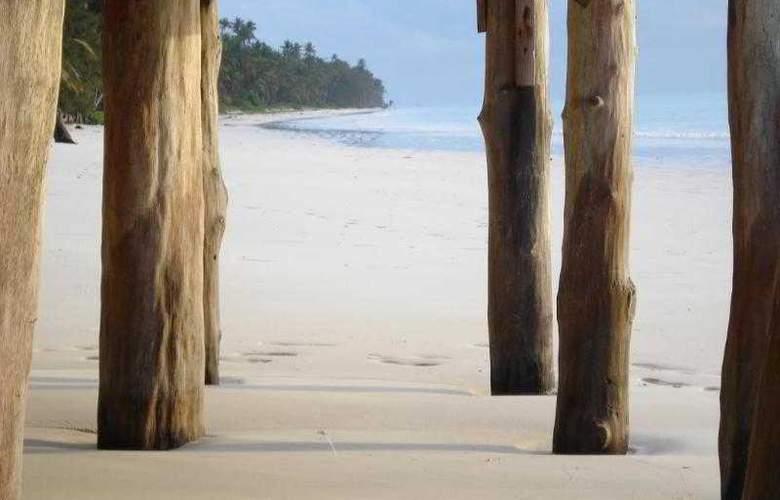 Twisted Palms Lodge & Restaurant - Hotel - 3