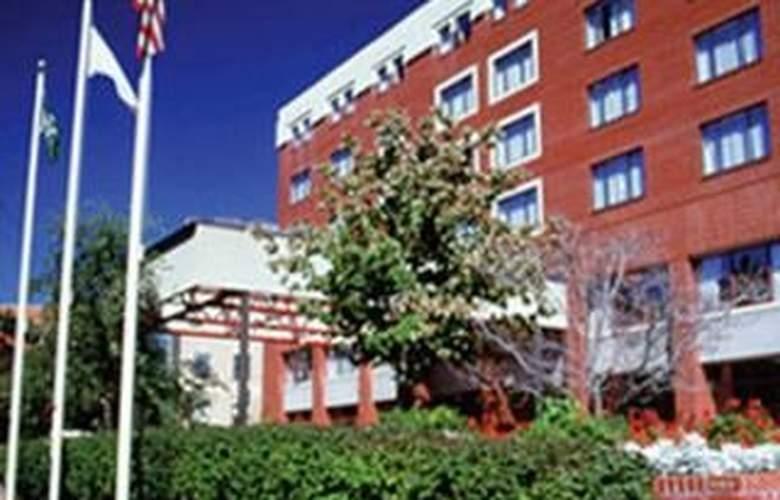 Holiday Inn at Brookline - Hotel - 0