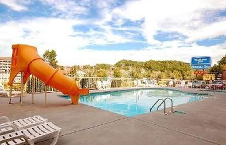 Wild Bear Inn - Pool - 5